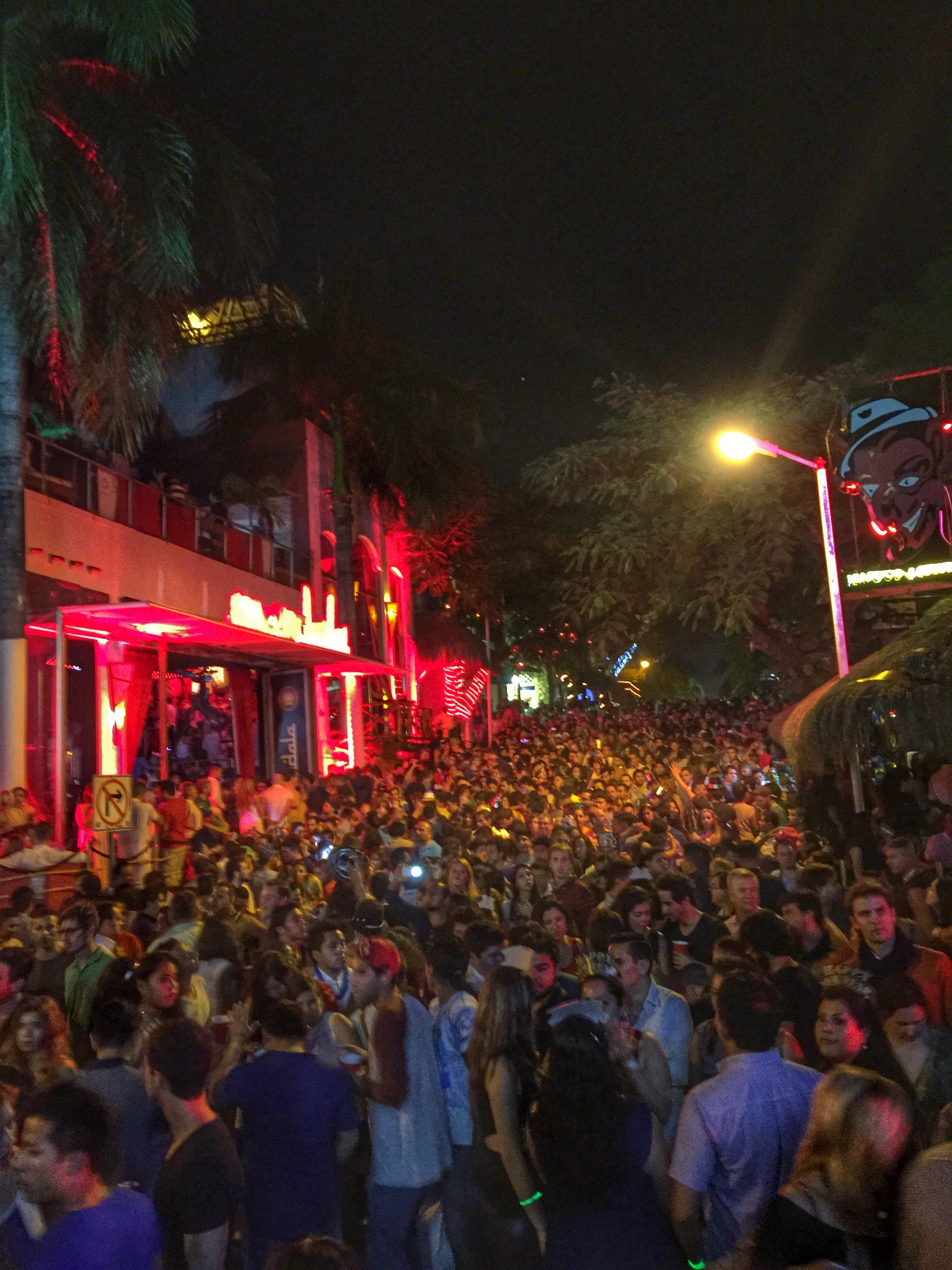 Playa del Carmen hekte NYU hekte kultur